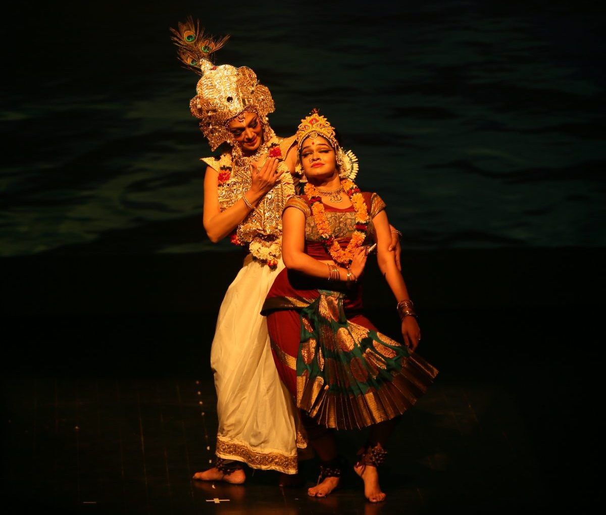 Shobana enthrals all with Dancing Drums