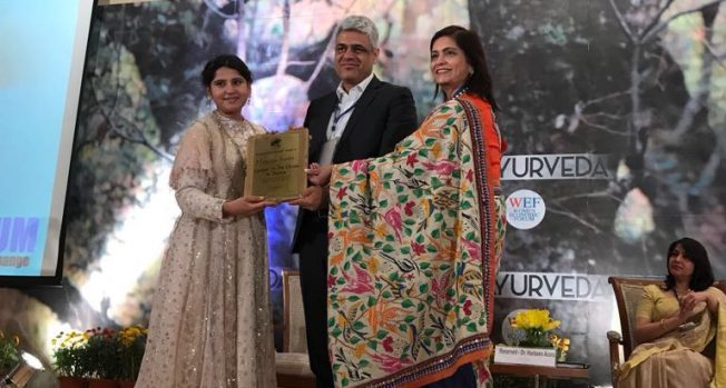 Manish Tiwari honoured as the Global Leader of the Decade in Media at the Women's Economic Forum
