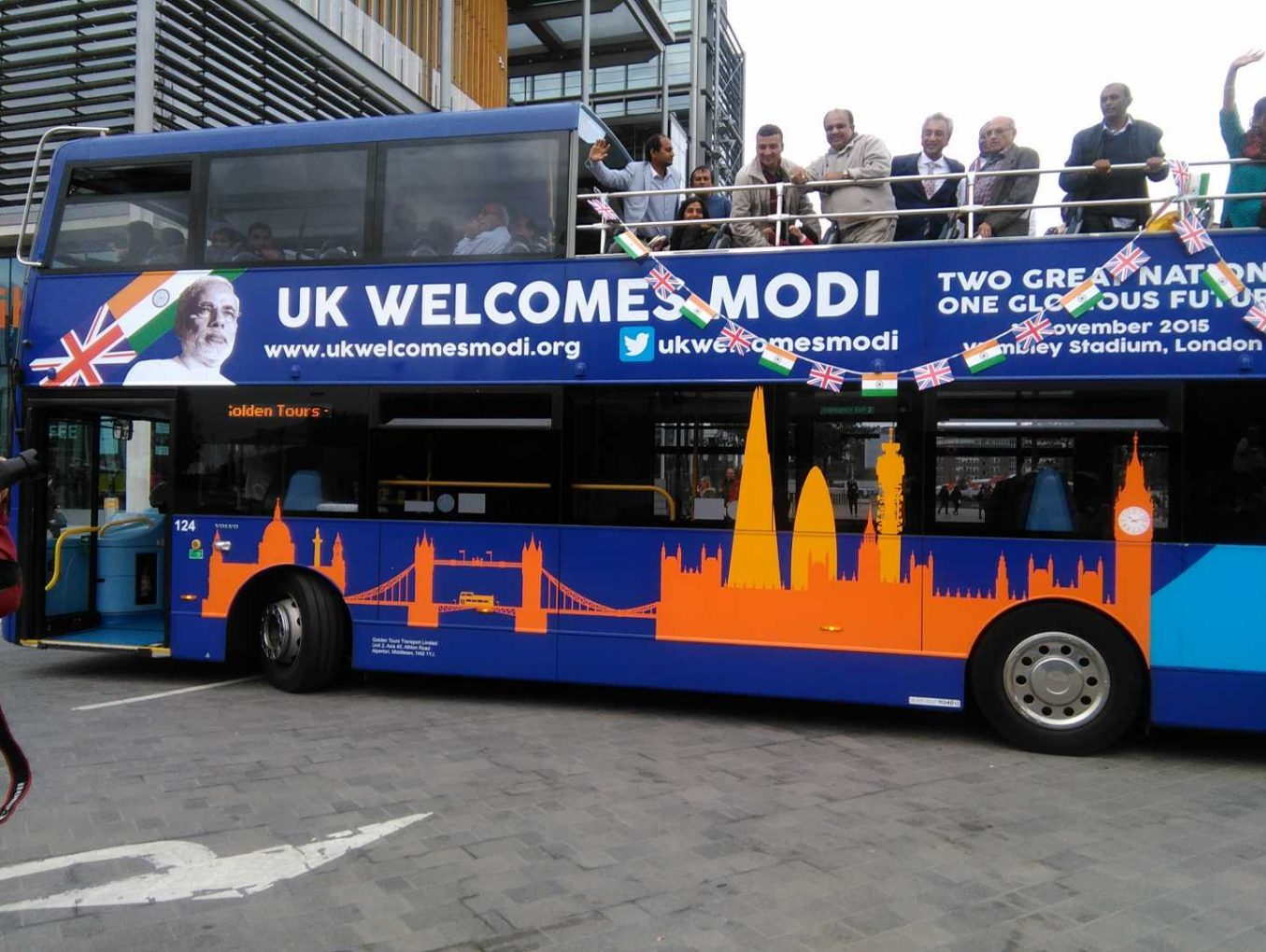 'Modi Express' bus launched in London